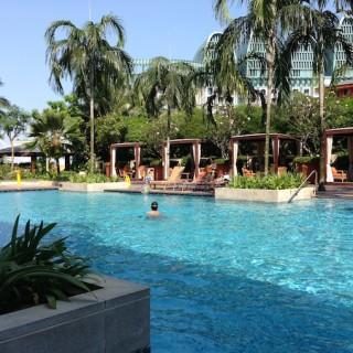Pool Festive Hotel Singapore