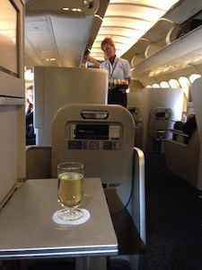 Upper deck 747 -300